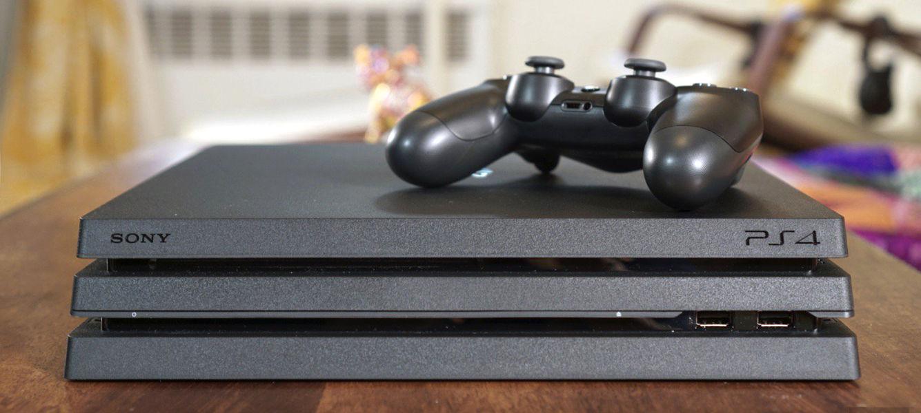 Playstation 4 Pro vs Playstation 4 | Gamepol com